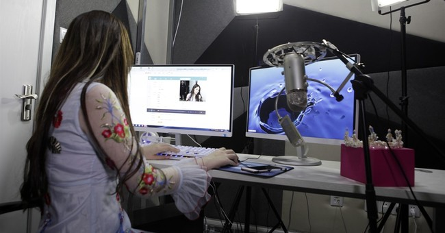 China's live-streaming sites offer chance to gain cash, fame