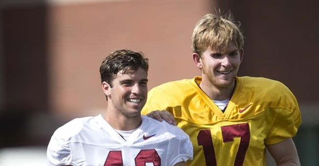 USC's blind long snapper participates in spring game