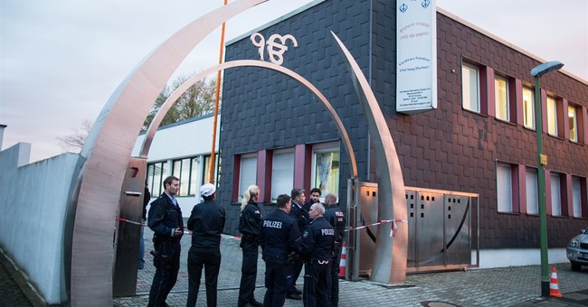 German police keeping open mind in Sikh temple blast probe