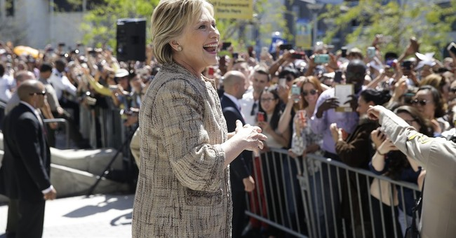 Clinton pitches minimum-wage boost while fundraising in L.A.