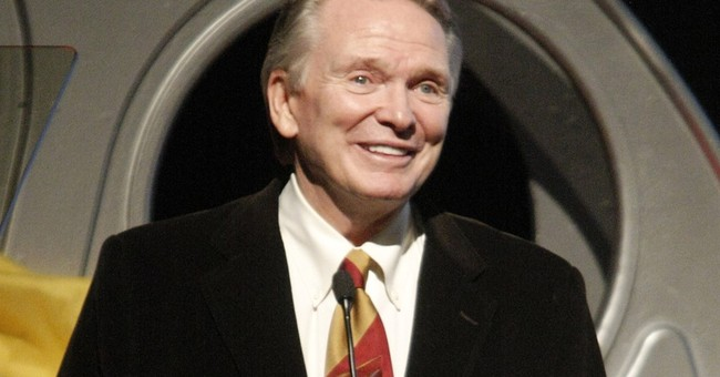 Bob Mackie to receive award from Chicago costume council