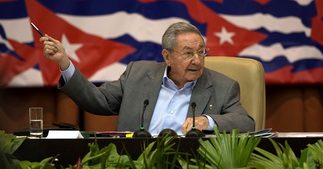 Cuban leaders criticize both bureaucracy and private sector