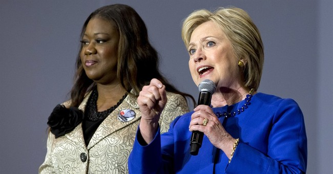 Mothers touched by tragedy rally behind Hillary Clinton