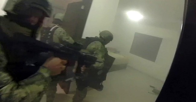 Video: Mexican drug lord's men put up fierce fight