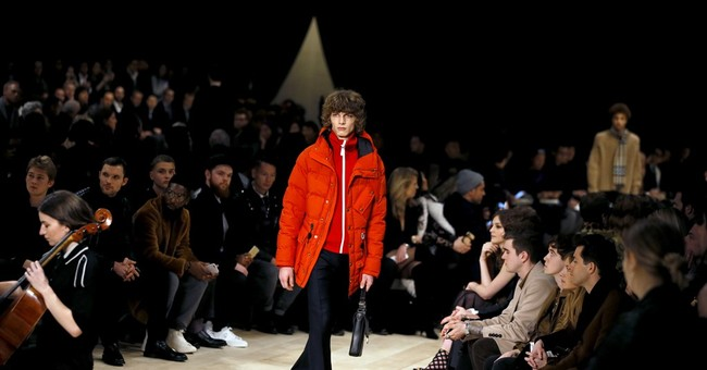 Burberry gets close to the audience at London Fashion Week