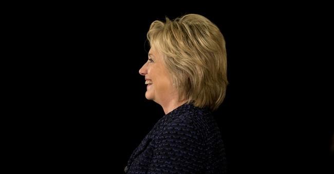 Clinton confronts rival Sanders as Iowa polls tighten