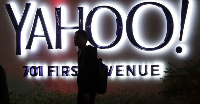 Yahoo's deterioration accelerates ahead of a possible sale