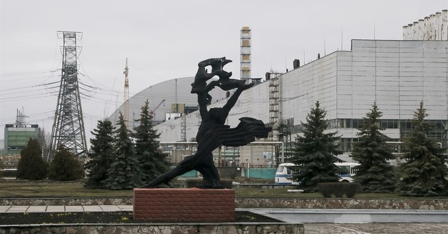 30 years after blast, labor to clean Chernobyl's traces
