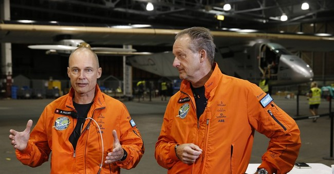 Solar plane slowly soaring from Hawaii to California