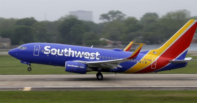 Southwest Airlines 1Q helped by lower fuel prices