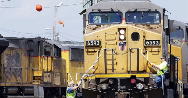Union Pacific's 1Q profit falls 15 percent as volume slows