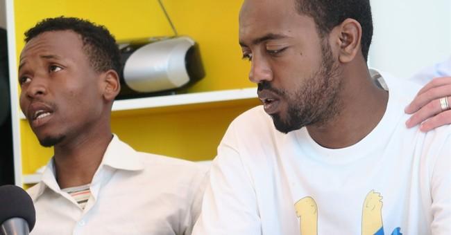 2 men describe surviving big migrant shipwreck last week
