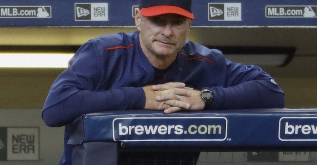 Twins snap 7-game road skid, remember Minnesota son Prince