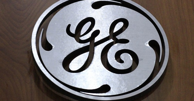 GE sees dip in 1Q profit, but industrial revenue rises