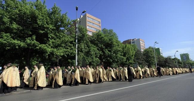 Thousands celebrate Orthodox Palm Sunday in Romania