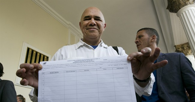 Venezuela paves way for petition to recall Maduro