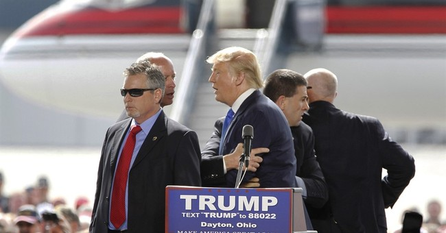 Trial still set for Ohio man who rushed stage at Trump rally
