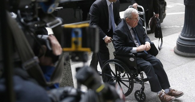 Judge: Man suing Hastert can remain anonymous for now