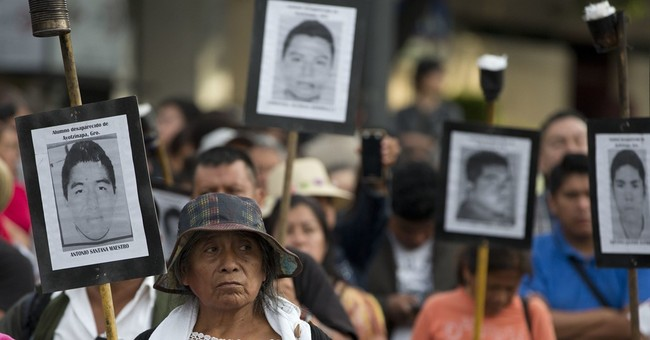 Mexican official defends evidence in students' case