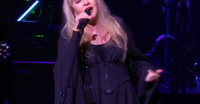 Stevie Nicks surprises 'School of Rock' crowd, talks Prince
