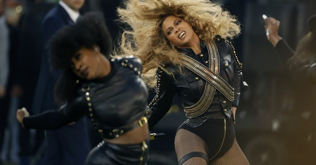 Beyonce slays at tour opening, offers no insight into album