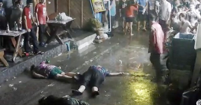 Video shows British family getting attacked in Thailand