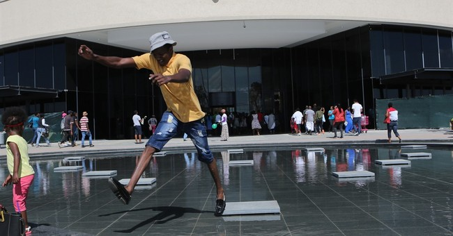 South Africa: Shoppers go to new mall, despite economy woes