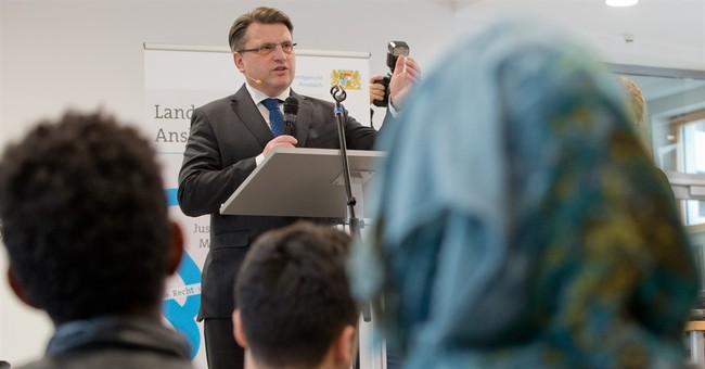 German state launches new legal classes for refugees