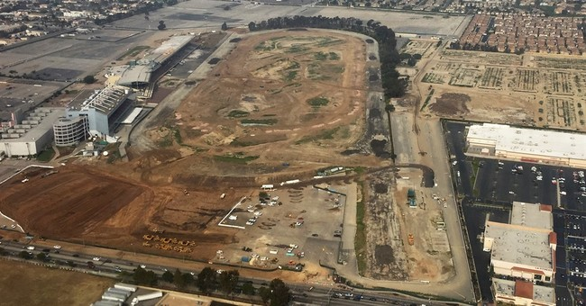Chargers must decide between Inglewood or San Diego