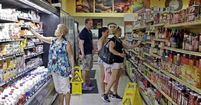 US consumer spending inches up in March