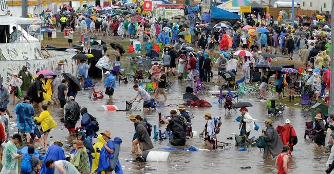 Jazz fest's last day finishes soggy, but strong