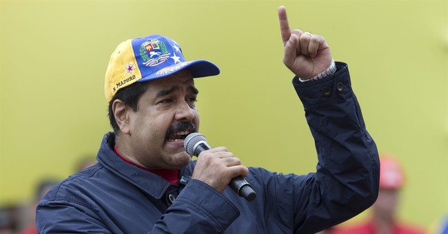Venezuela opposition delivers petitions to remove president