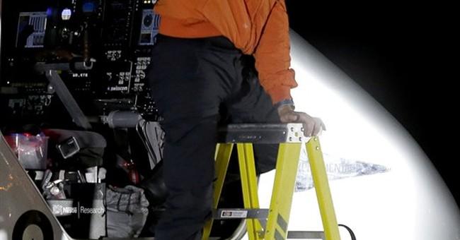 Solar plane arrives in Arizona on latest leg of global trip
