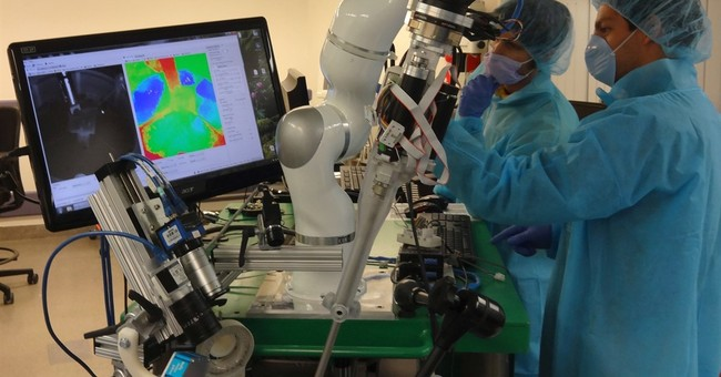 Robot stitches tissue by itself, a step to more automated OR