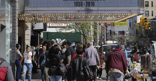 Prince is being added to the Apollo Theater's Walk of Fame
