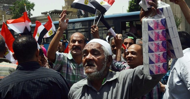 Egypt's journalists warn of strike if minister stays