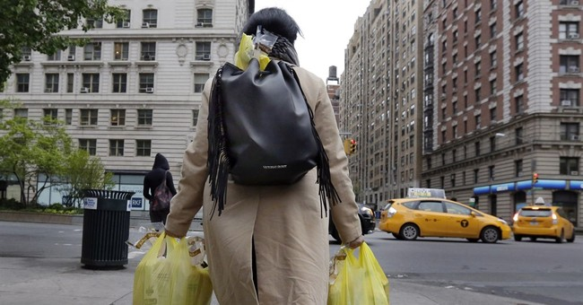NYC lawmakers impose 5-cent charge for plastic bags