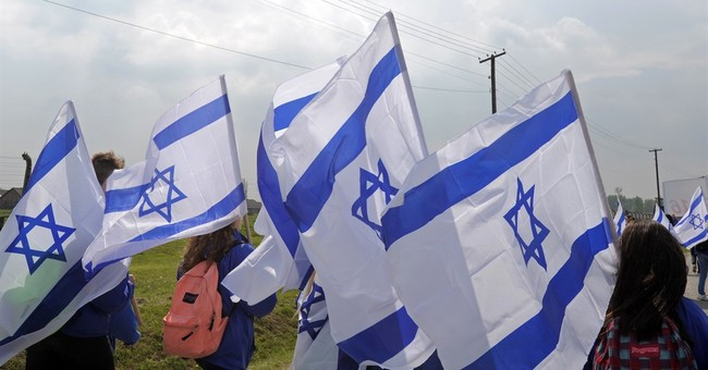 Marchers at Auschwitz honor Jews killed in Holocaust