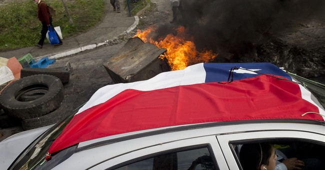 Food crisis as fishermen block access to island in Chile
