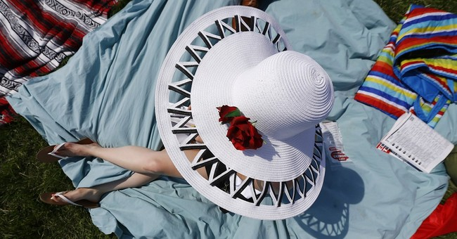 PHOTO GALLERY: Hats off to Kentucky Derby fashion