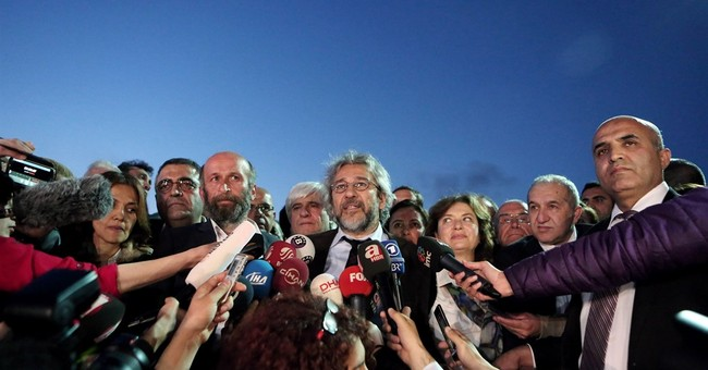 Turkey: 2 more detained over attack on opposition editor
