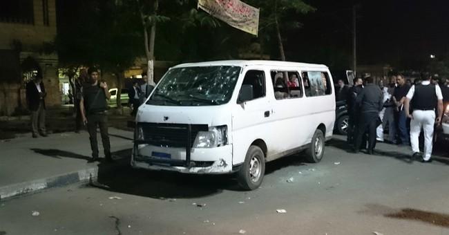 Militants kill 8 Egyptian police in Cairo suburb