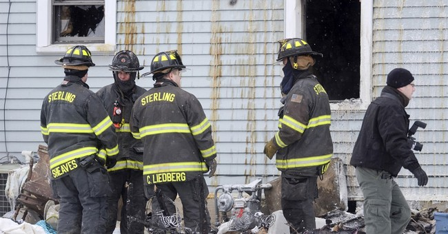 Early morning fire claims 5 members of Illinois family
