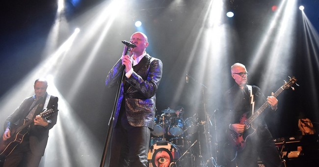 Longtime Bowie producer performs at Toronto tribute concert