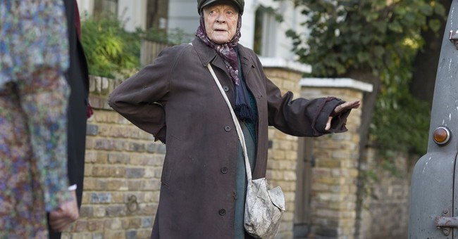 Review: Maggie Smith in her wheel house in 'Lady in the Van'