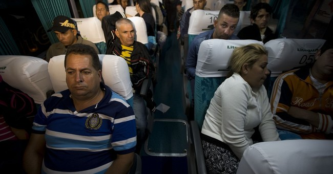 Stranded Cuban migrants make plans to cross Mexico