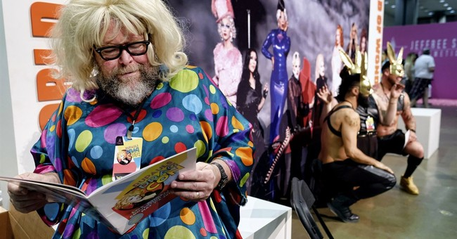 From drag queens to aliens, a con for all seasons