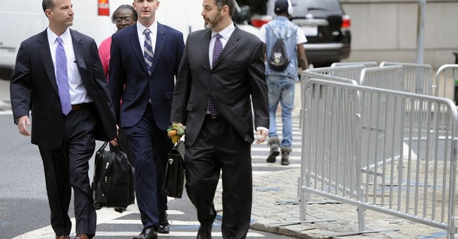 Arresting officer in Freddie Gray case chooses bench trial