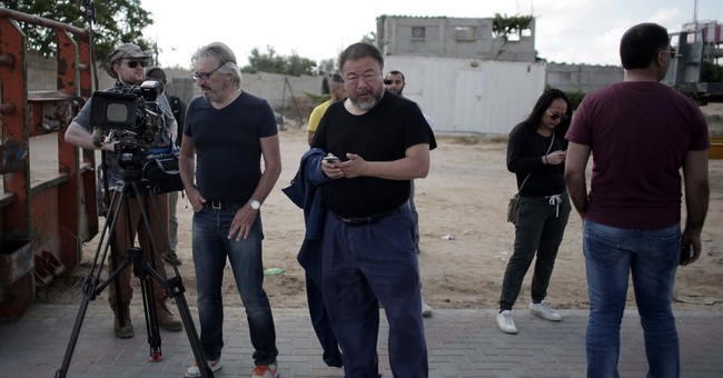 Chinese artist Ai Weiwei travels to Gaza for refugee project