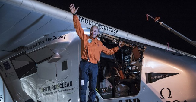 Solar plane on global trip completes Arizona-to-Oklahoma leg